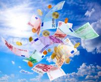 flying-euro-money